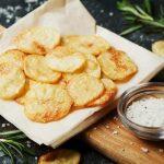 Как сделать домашние картофельные чипсы - Лучшие пошаговые рецепты приготовления